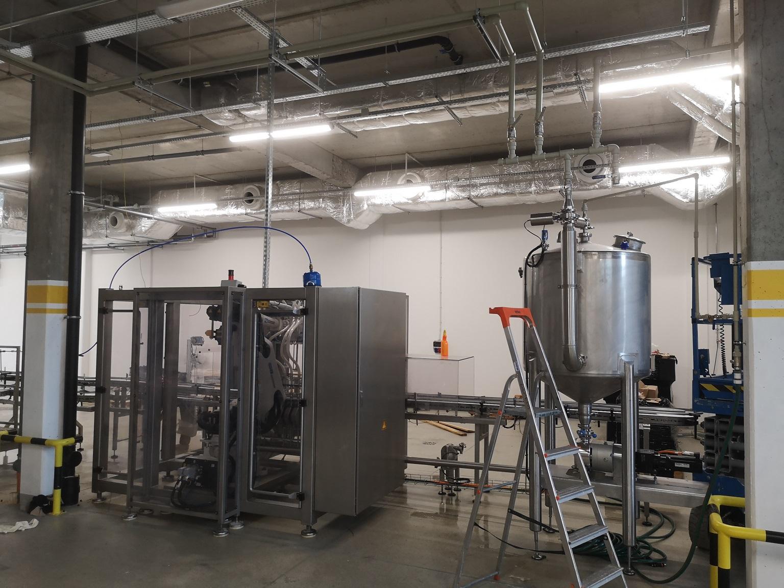 kompleksowe-ustawienie-nowej-lini-produkcyjnej-wraz-z-podlaczeniem-rurociagow-technologicznczych-w-przemysle-chemicznym